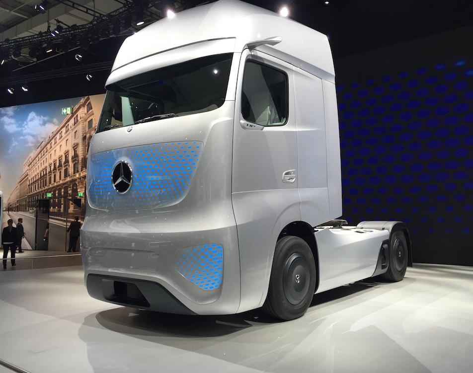 Daimler-Mercedes-Benz-future-truck-2025